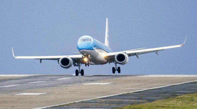 KLM gaat besparen op de kosten wegens coronavirus