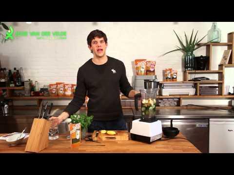 """Groene superfood smoothie met Spirulina uit het boek """"De Snelle Superfoodchef"""""""